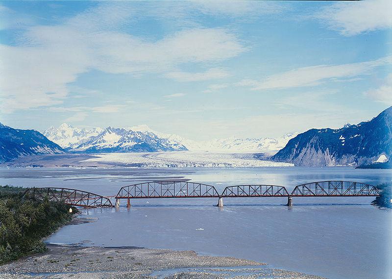 800px-Miles_Glacier_Bridge,_1984