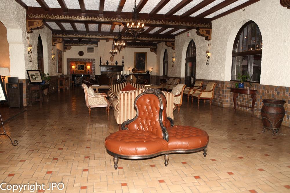 Hall Hotel Paisano